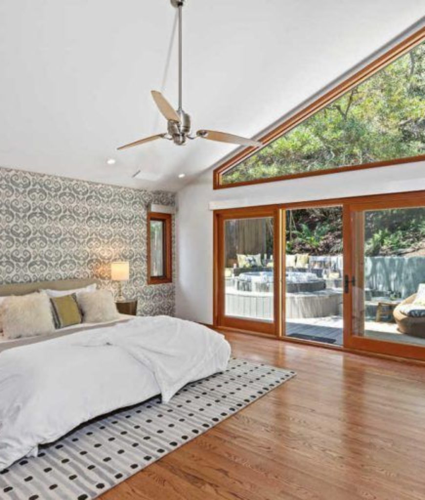 danny-mcbride-hollywood-hills-home-bedroom-091318