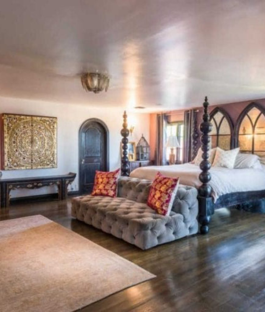 So Elegant Love A Sitting Area In A Master Bedroom By: 70 Classy Celebrity Master Bedrooms