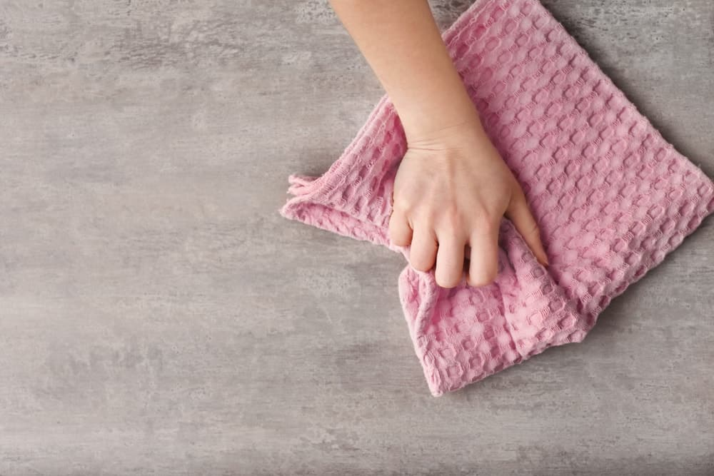 le torchon est un chiffon en coton réutilisable pour remplacer l'essuie tout jetable