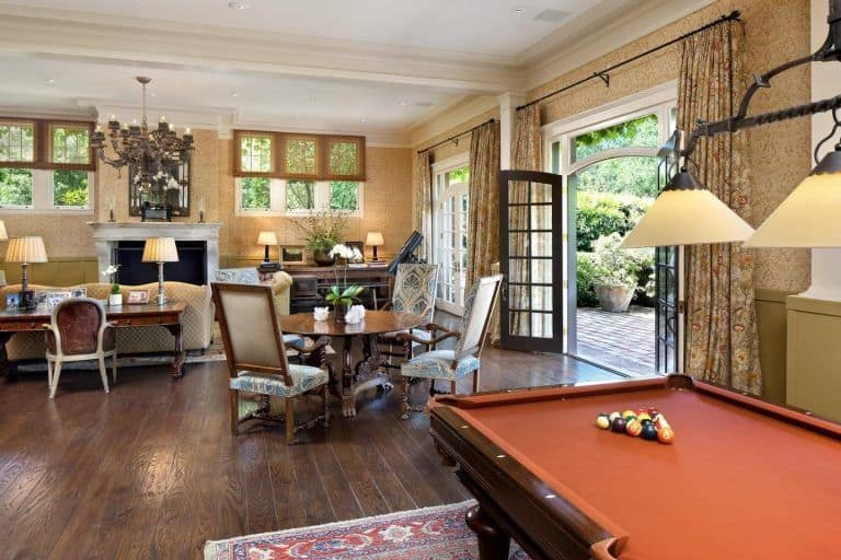 There's a game room near the formal living room too, featuring a billiards pool.