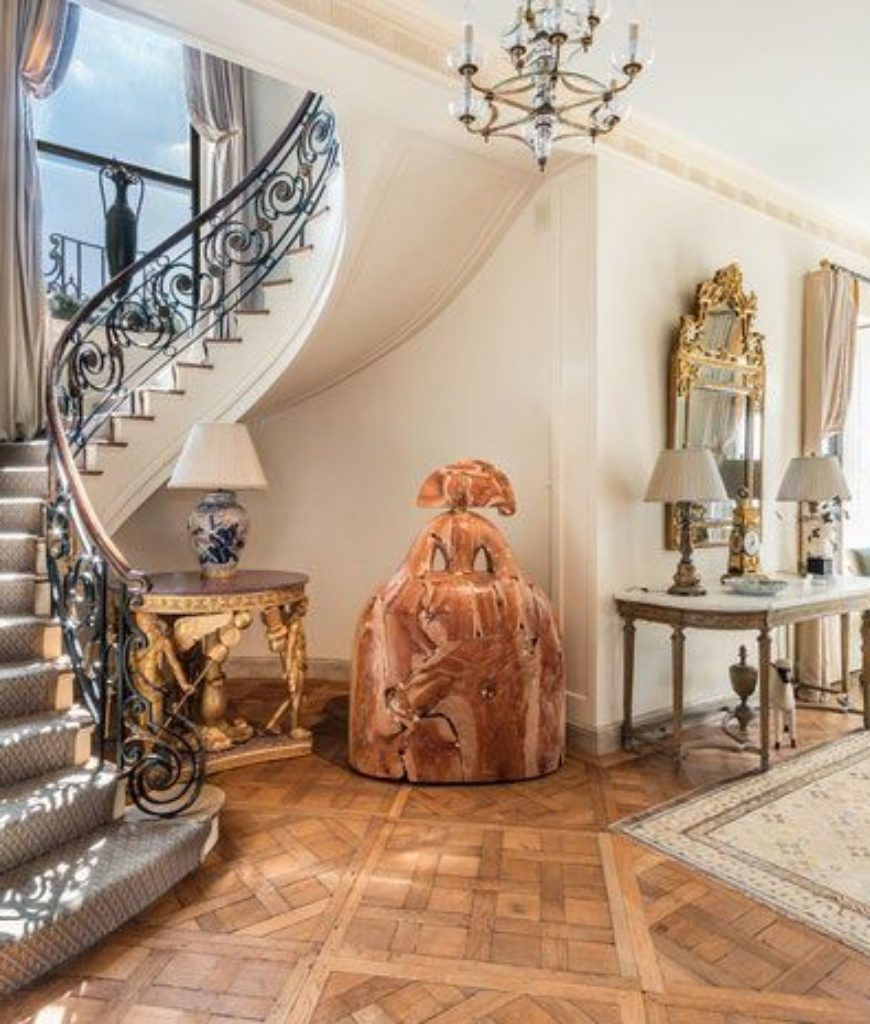 steve-mnuchin-manhattan-home-foyer-091818