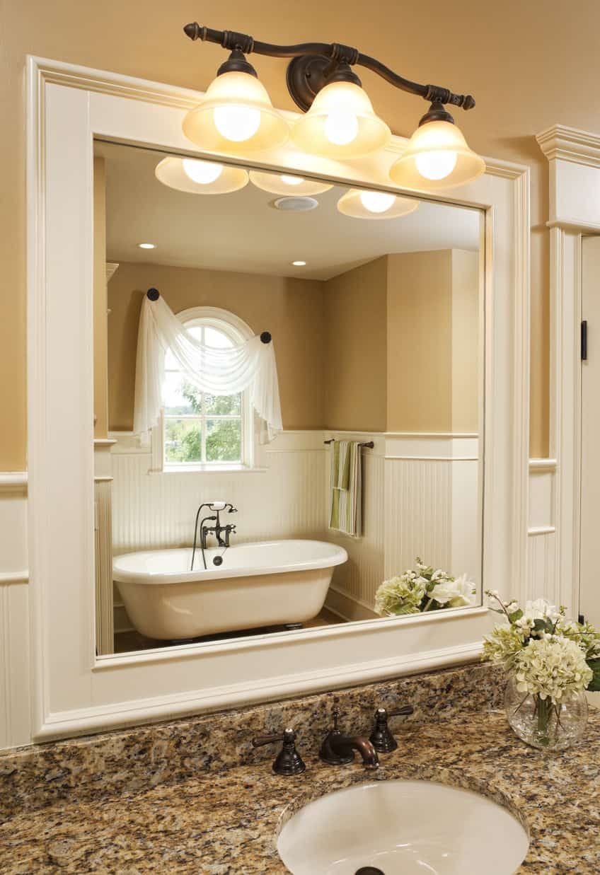Look at that incredible master bathroom bathtub alcove. I love this sort of design in master bathrooms.