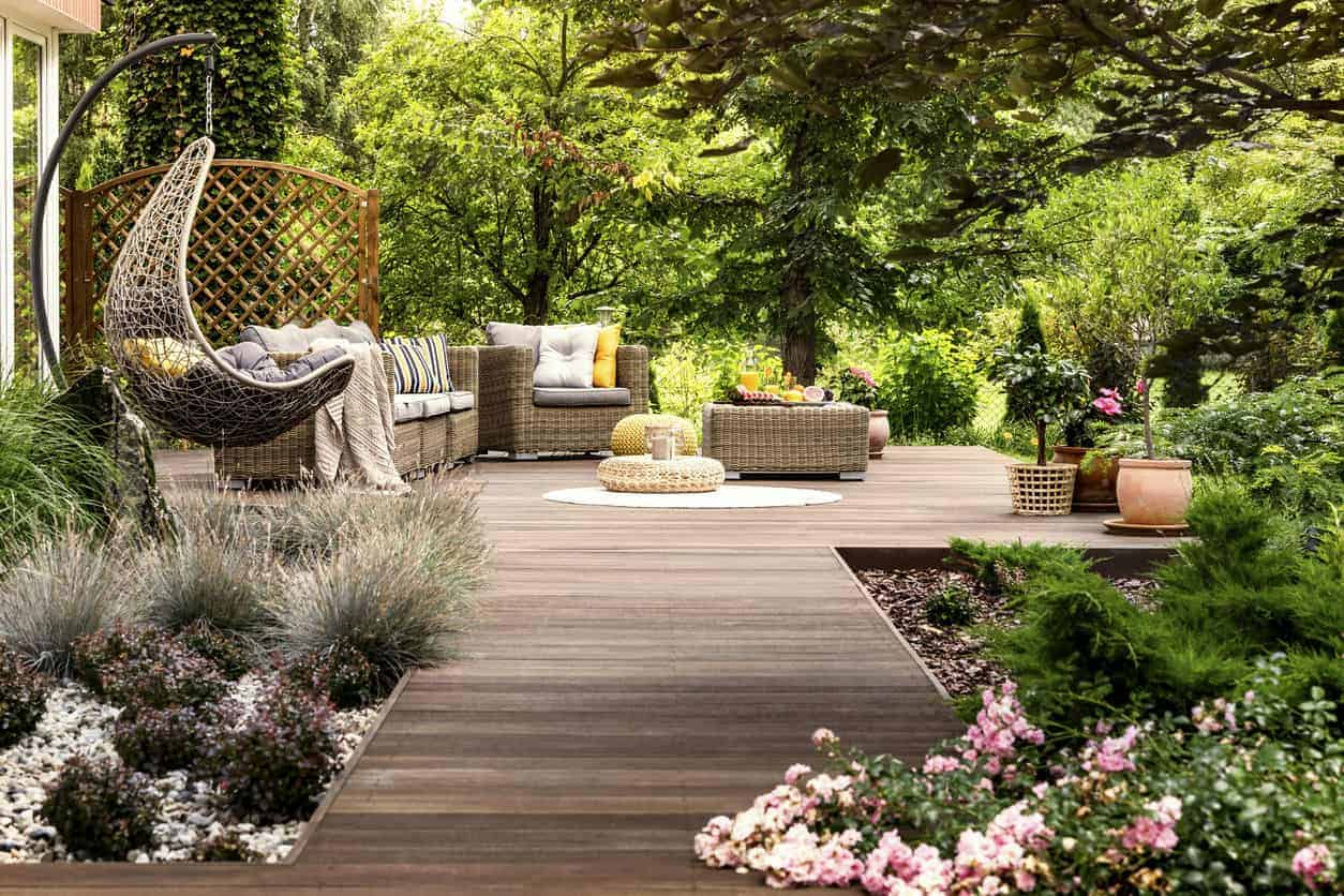 101 Backyard Landscaping Ideas for Your Home (Photos)