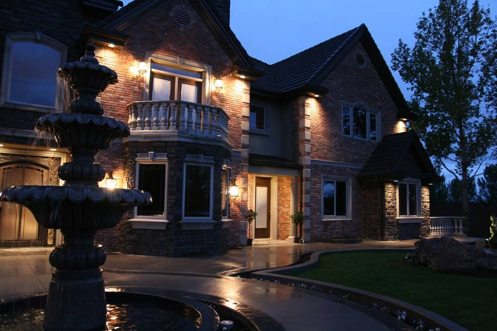 Exterior home accent lighting