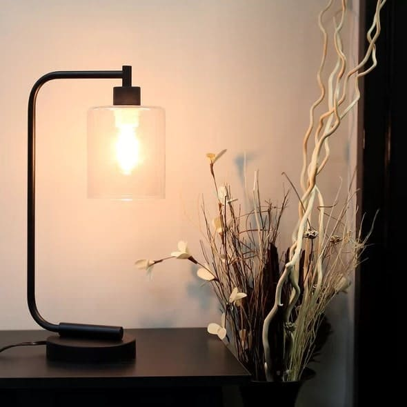 Table lamp with dimmable feature.
