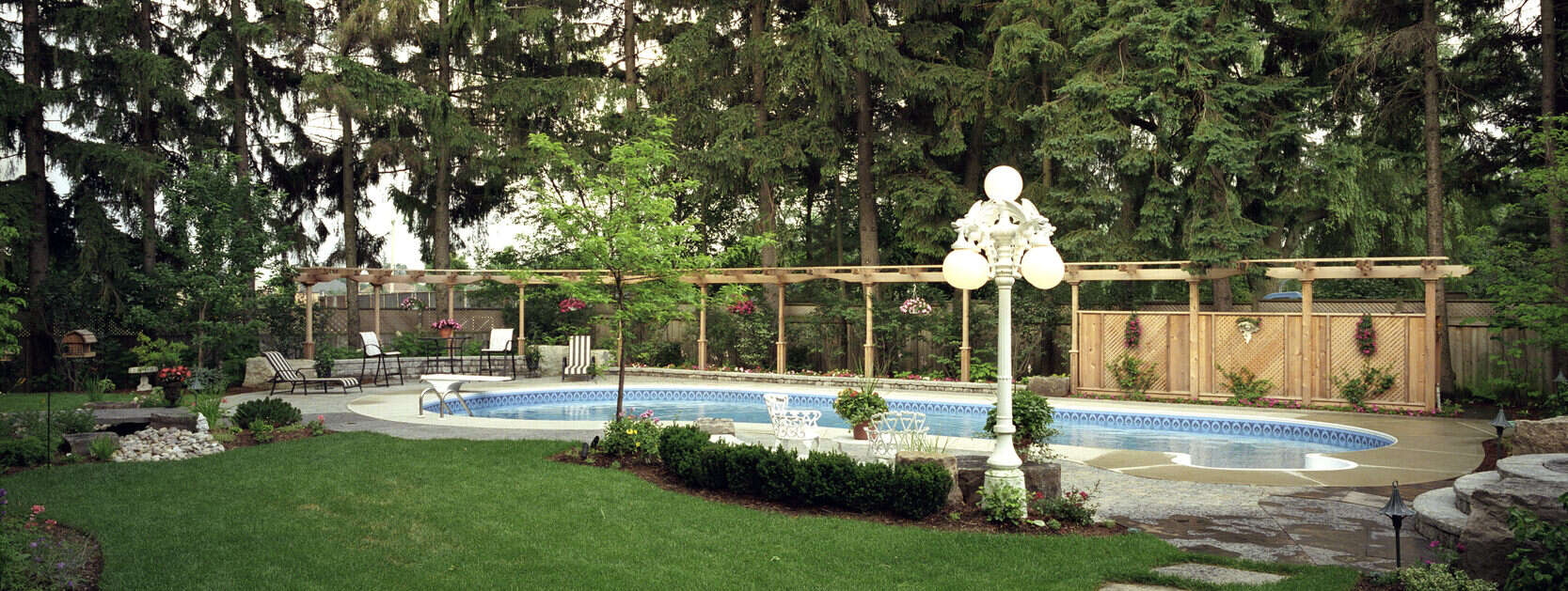 Trellis fence combination for backyard privacy