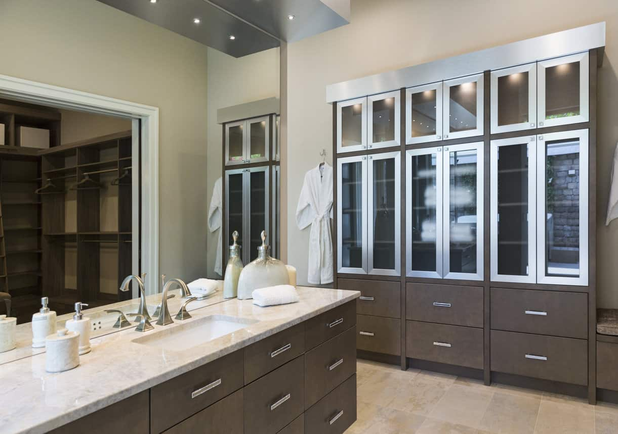 50 sleek modern primary bathroom ideas photos