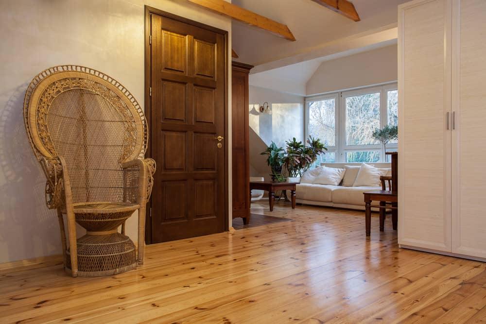 Room with pine wood flooring