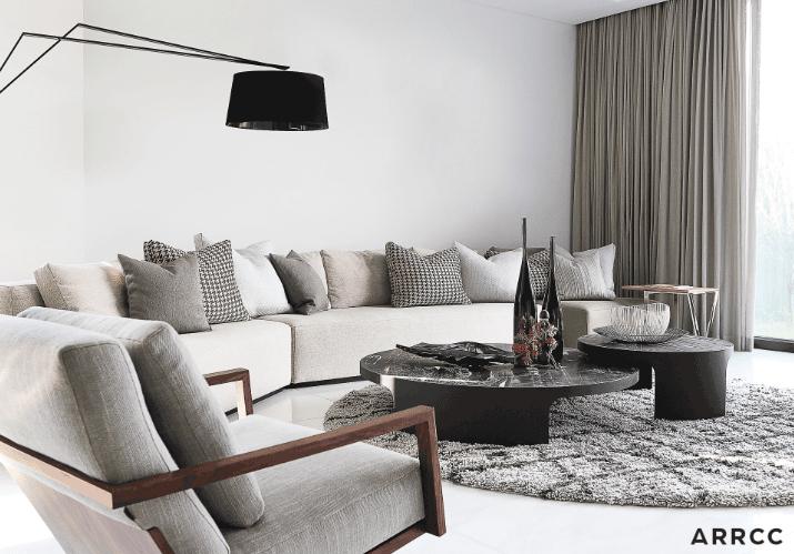 Монохромная комната в голливудском стиле - это черный, белый и серебристый оттенки.