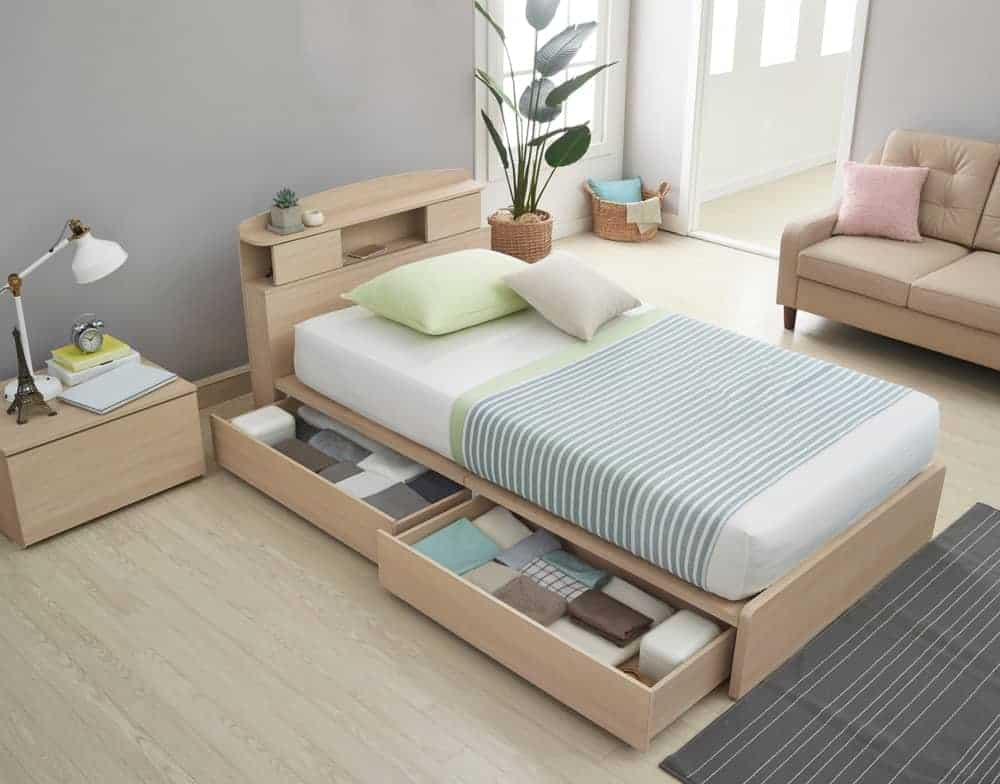 Bed with Storage Drawers