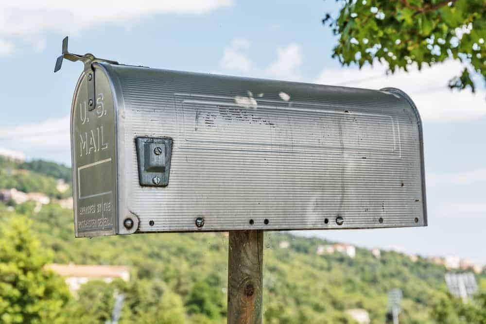 Metal mailbox