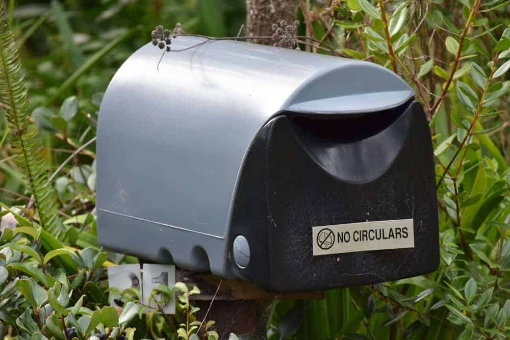 Plastic mailbox