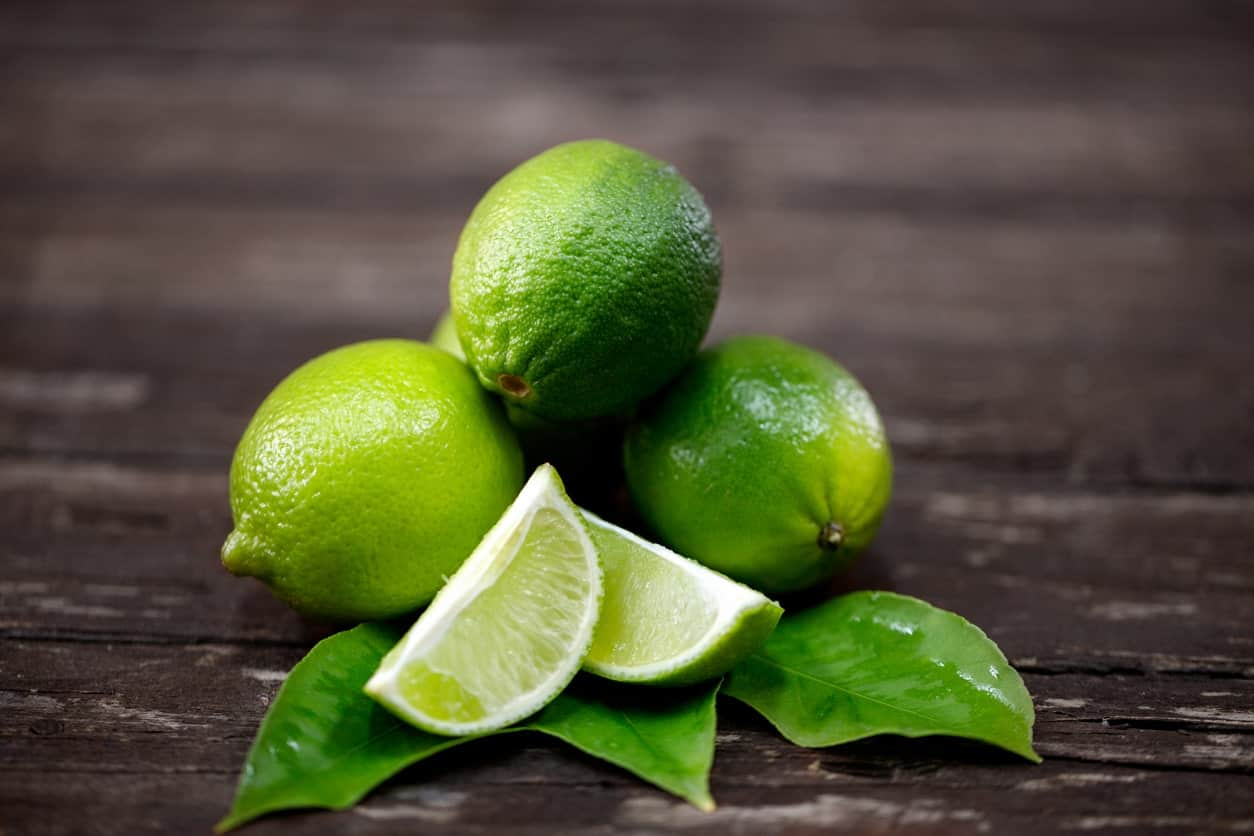 Freezing lime juice with Cut lime