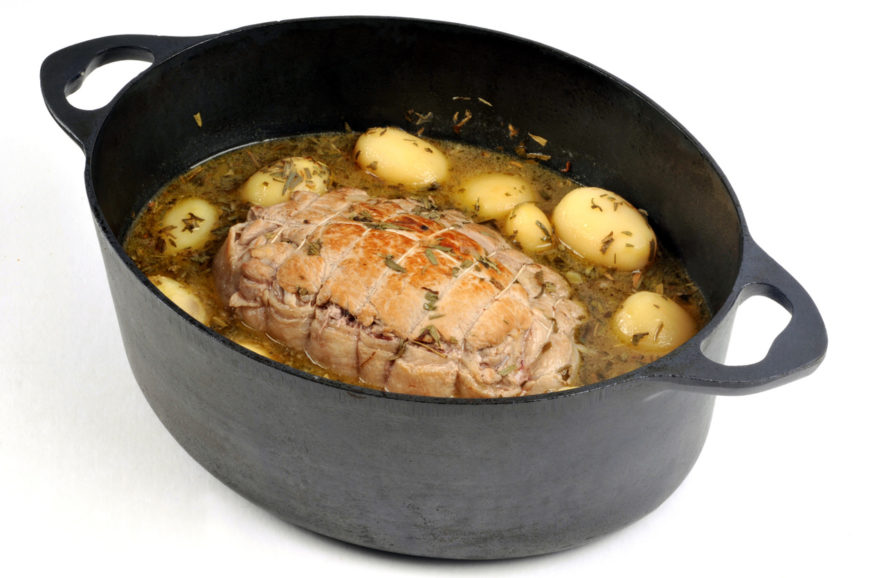 Dutch oven with Rôti de veau en cocotte