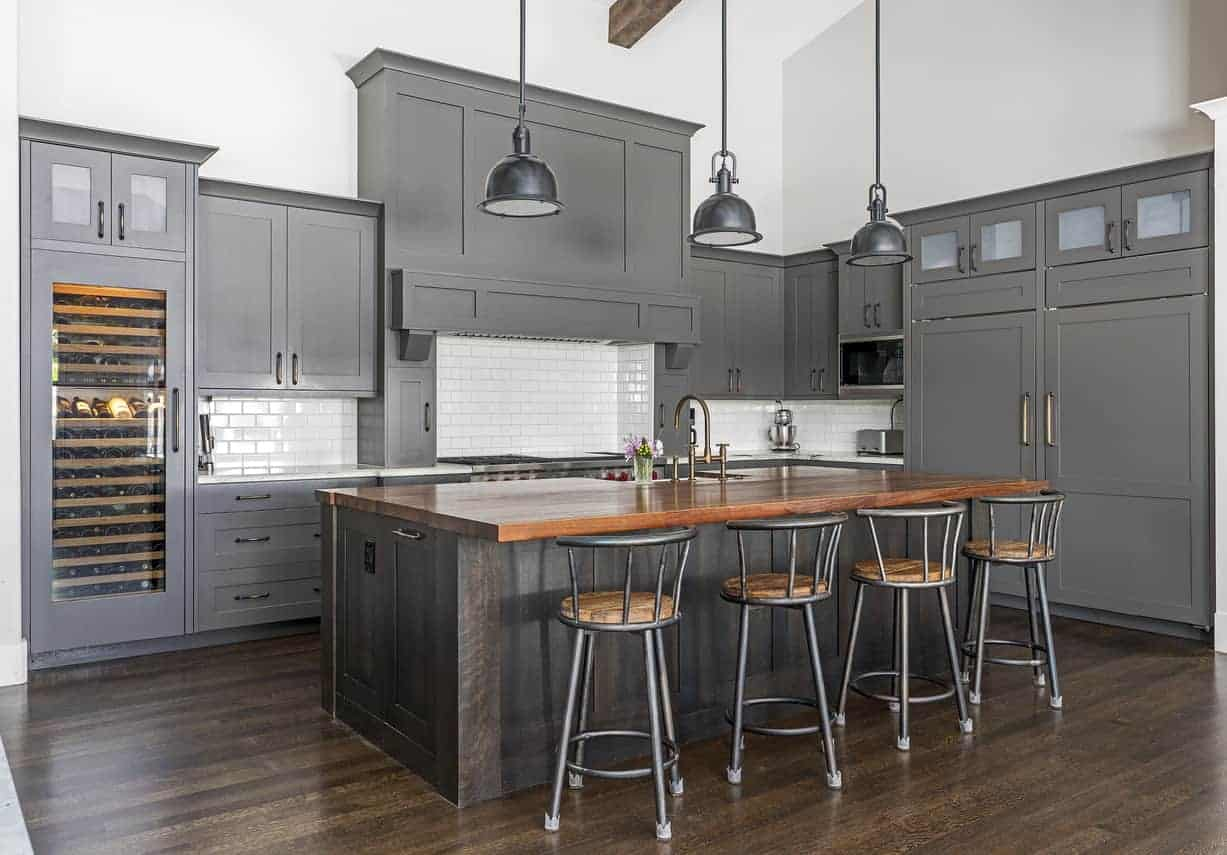 Kitchen with fabulous kitchen cabinets