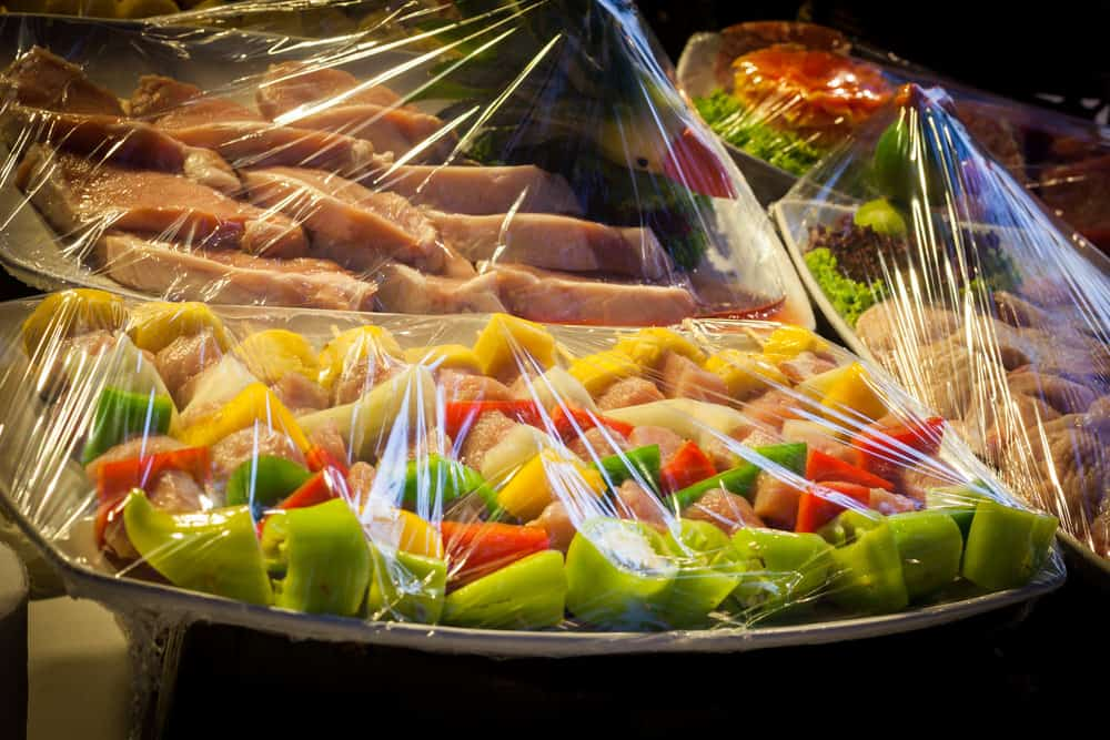Cling wrap for storing food
