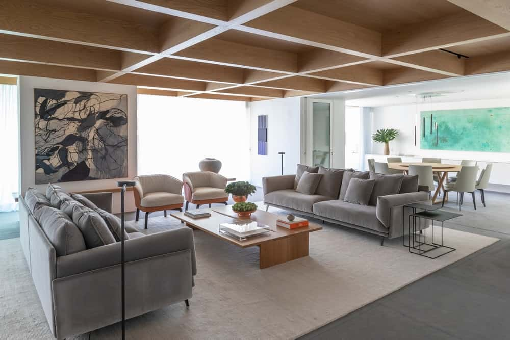 Huge luxury apartment with coffered ceiling by Coletivo Arquitetos