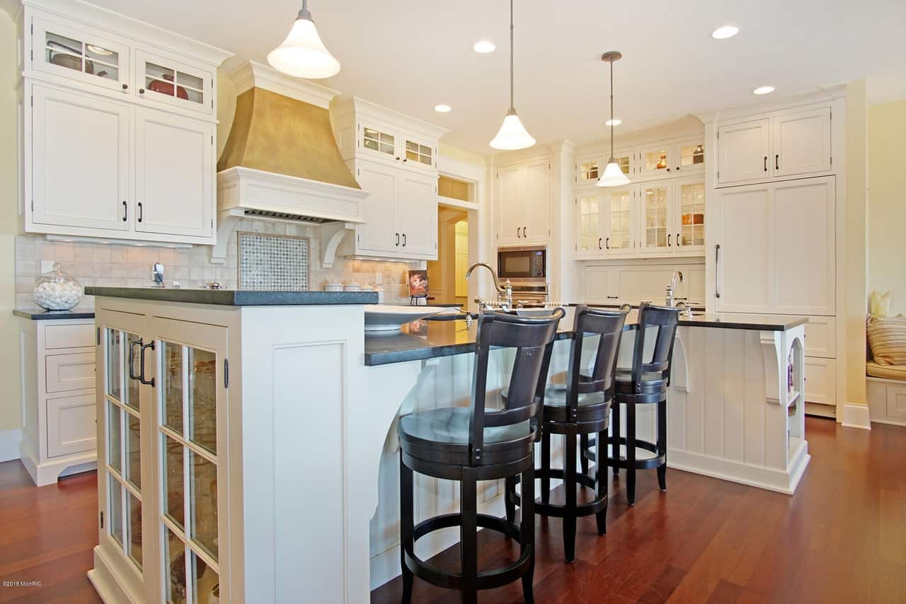 90 Different Kitchen Island Ideas and Designs (Photos) on log cabin kitchen ideas, large kitchen designs, large kitchen island cabinets, large u shaped kitchen, large 2 level kitchen island, garage island ideas, study island ideas, medium l-shaped kitchen ideas, large open kitchen ideas, large mud room ideas, large workshop ideas, large bar ideas, gray and brown kitchen ideas, large kitchen peninsula ideas, large kitchen loft, large game room ideas, large kitchen island lighting, large stone fireplace ideas, large kitchen equipment list, large hot tub ideas,
