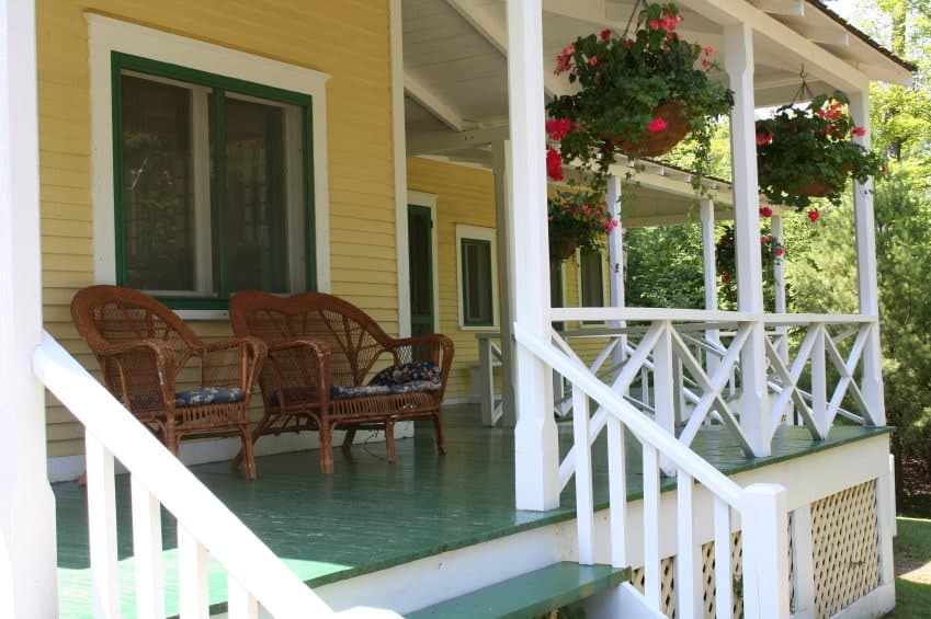 46 Fab Front Porch Ideas (Photos) - Home Stratosphere