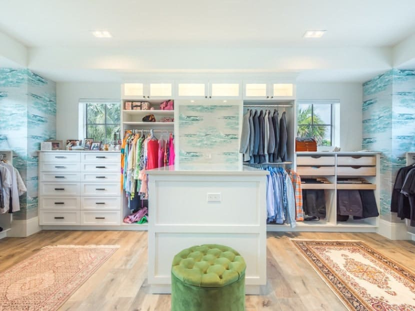 Distinct, exclusive and of course, ocean-themed. The light blue backdrop dont just add a mesmerizing touch but also give an airy and breezy feel that is atypical of most walk-in wardrobes.