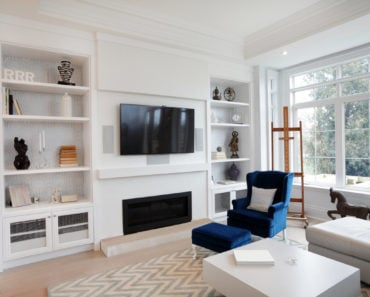 Living room with custom built-in shelving