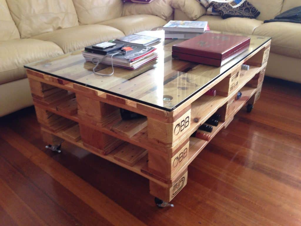 Glass-Top Pallet Coffee Table on Wheels with Wine Storage