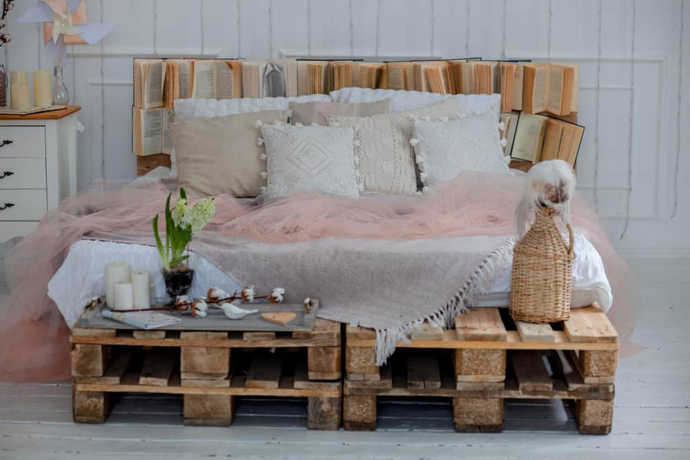 Pallet bed with library headboard