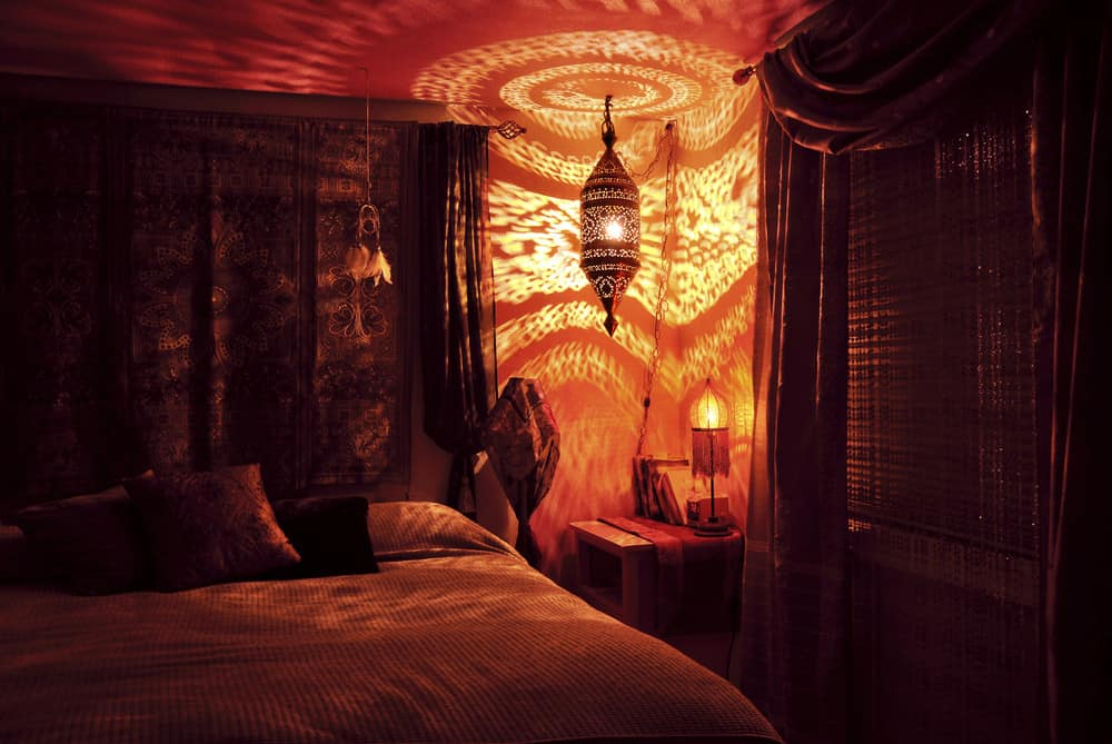 Behoemian bedroom with awesome light