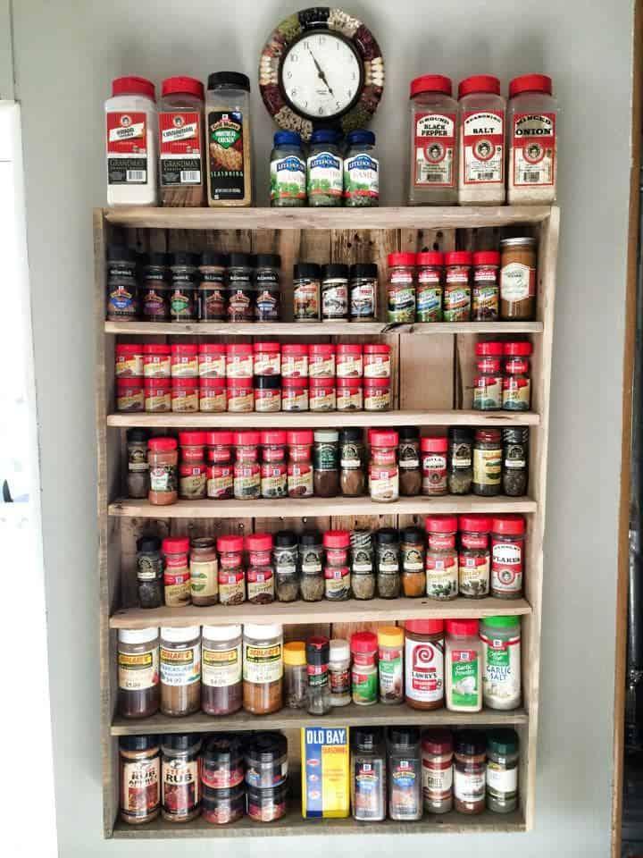 DIY large Pallet spice rack apr18