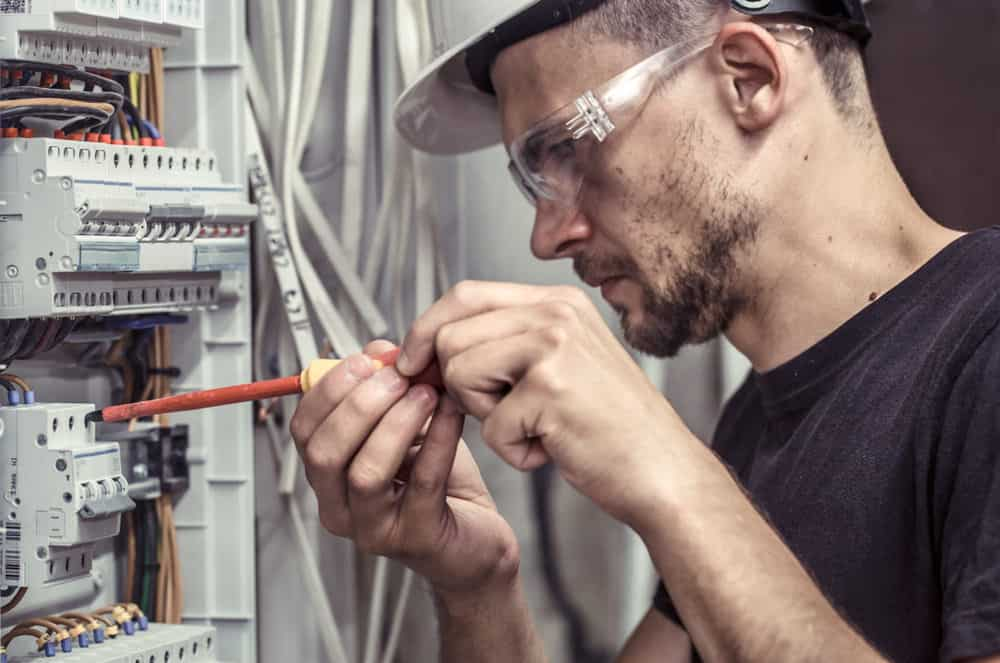 23 Types of Electricians (Based on Specialization and ... on