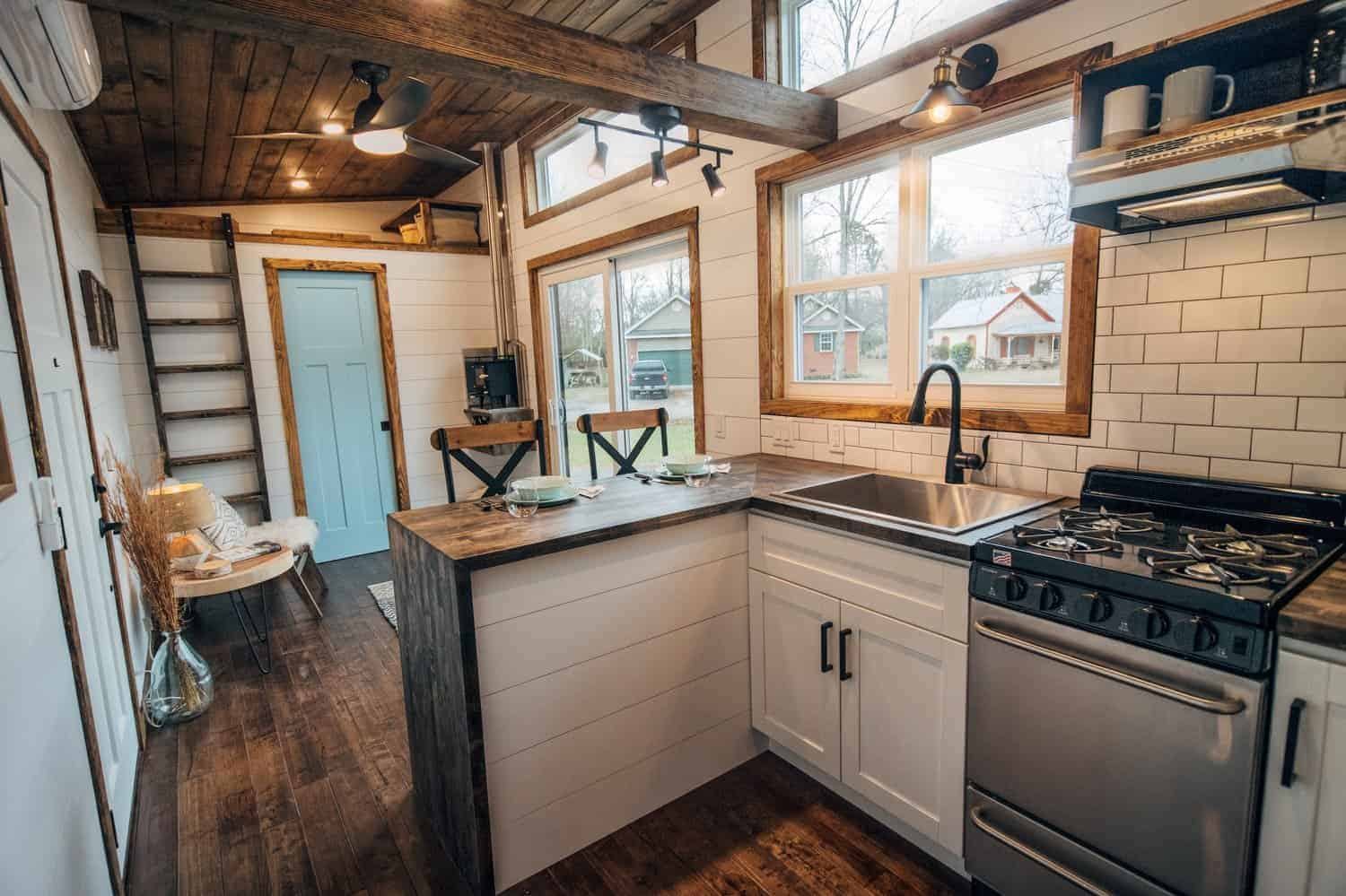 27 Clever Tiny House Kitchen Ideas Photos