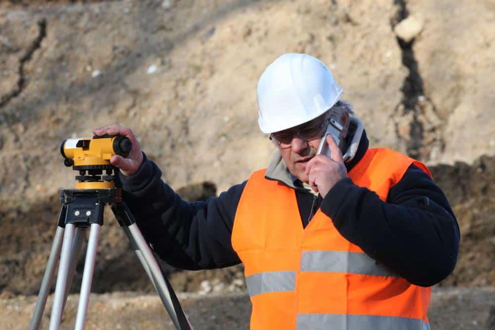 Surveyor's leveling instrunment