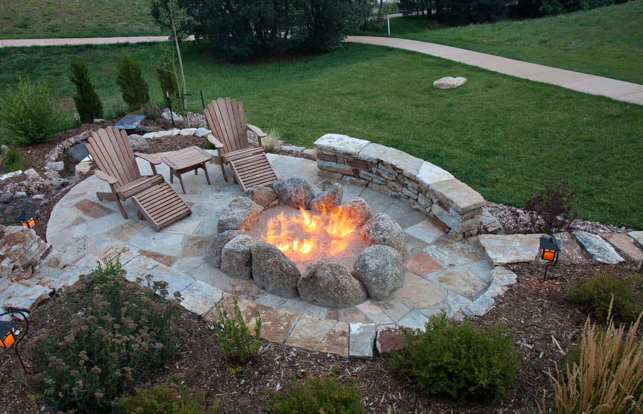 44 Outdoor Fire Pit Seating Ideas (Photos)