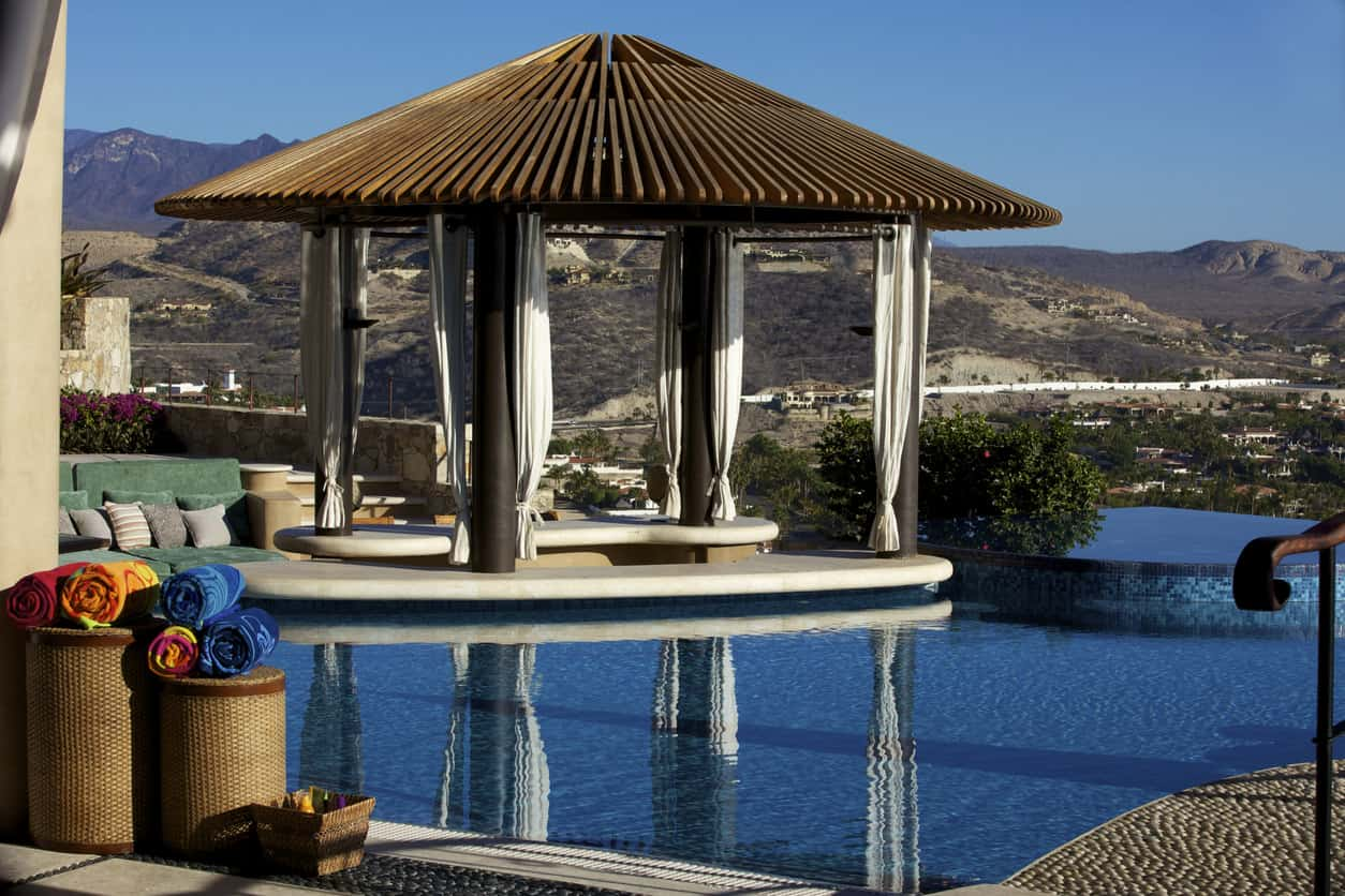 50 Swimming Pool House, Cabana and Pergola Ideas (Photos) on Small Pool Cabana Ideas id=19415