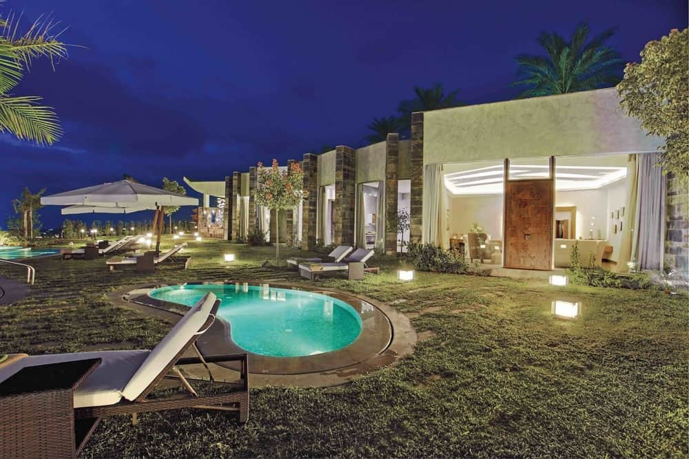 50 Swimming Pool House, Cabana and Pergola Ideas (Photos)