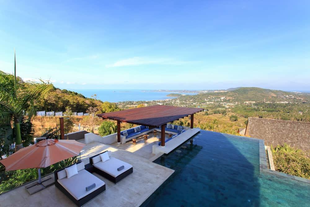 50 Swimming Pool House, Cabana and Pergola Ideas (Photos) on Small Pool Cabana Ideas id=64889
