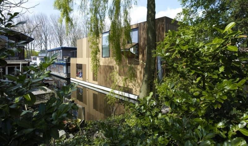 "Floating home ""villa"" by Framework Architects + Studio Prototype"