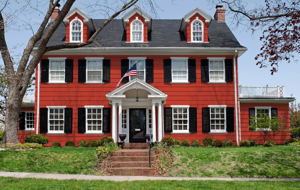 Red house exterior color - Pantone 180
