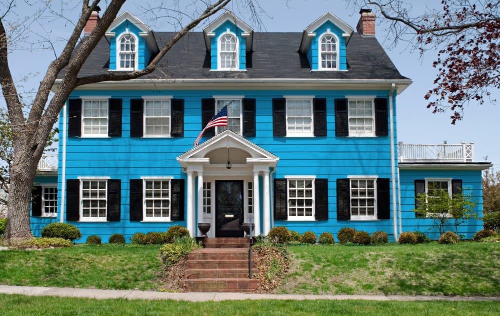 Sky blue house exterior example - Pantone 299