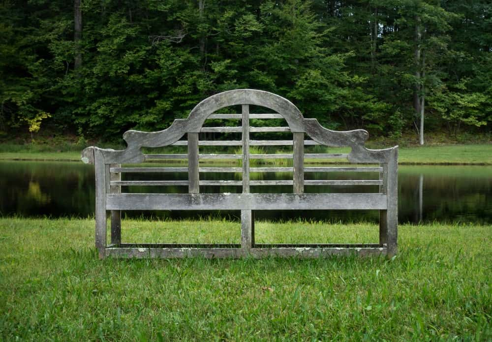 A Lutyens bench for garden