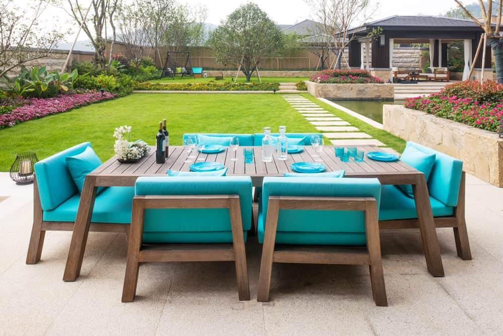 Spectacular patio furniture in backyard