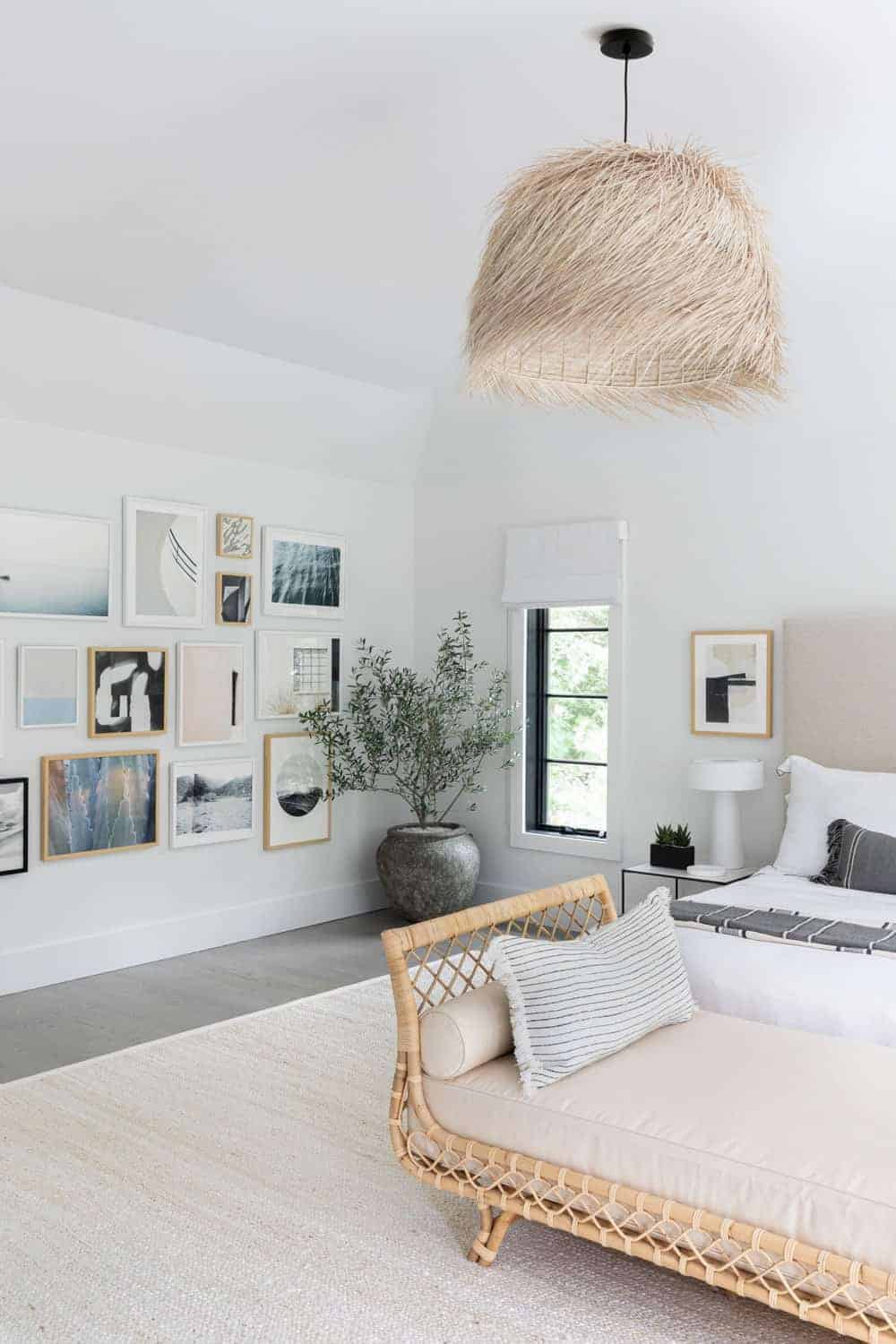 The master bedroom offers a gorgeous and eye-catching ceiling lighting set on the regular white ceiling.