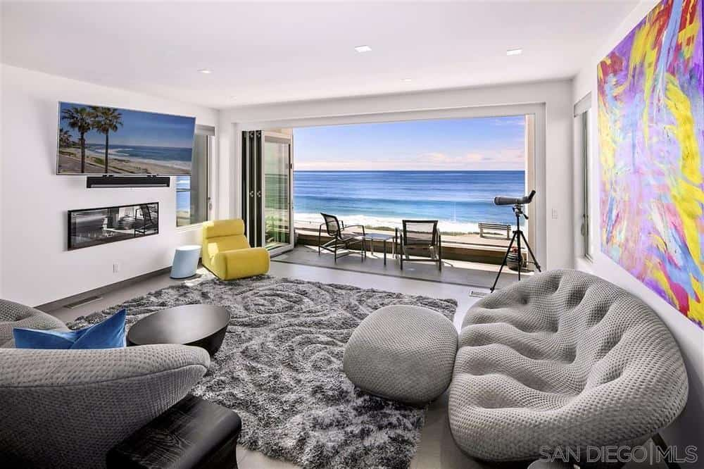 Looking out to the ocean from the La Jolla beach house living room