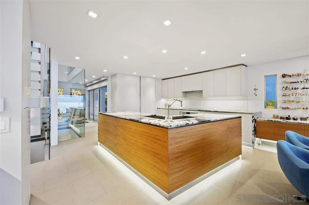La Jolla beach house kitchen