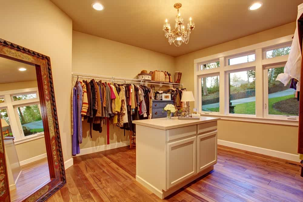 23 Different Types Of Interior Closet Lighting Ideas