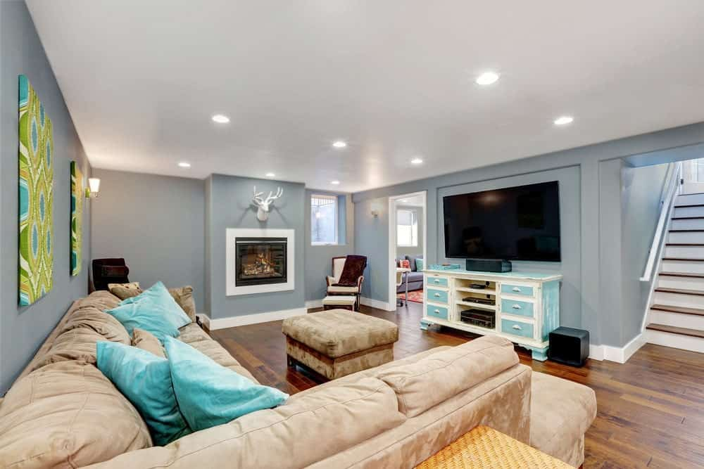 Gray Basement Interior - Pantone 429