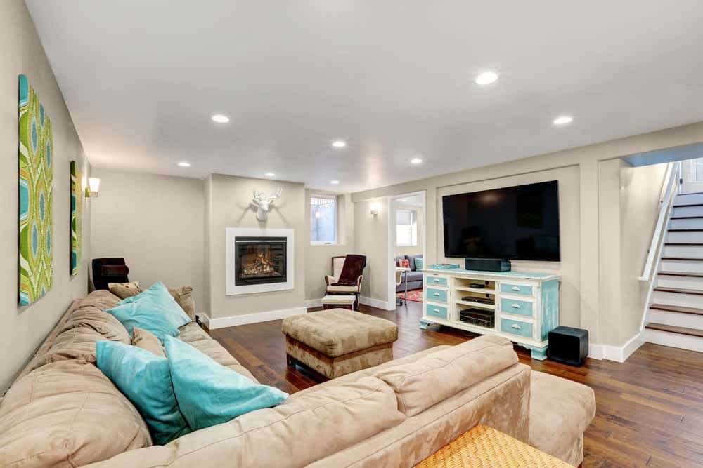 Light Beige Basement Interior - 400