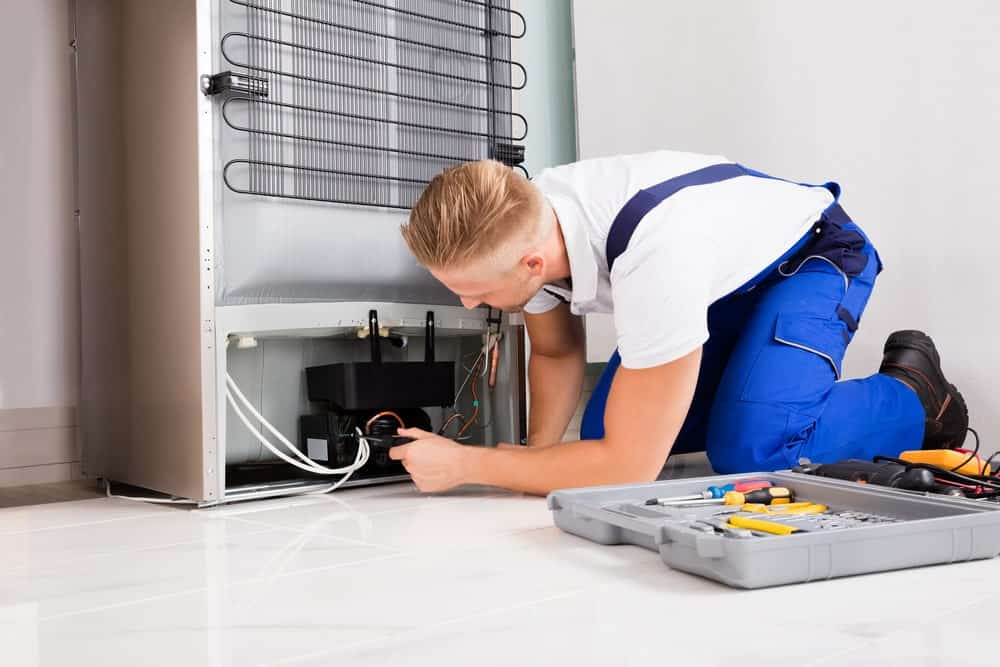 A Technician for Refrigerator