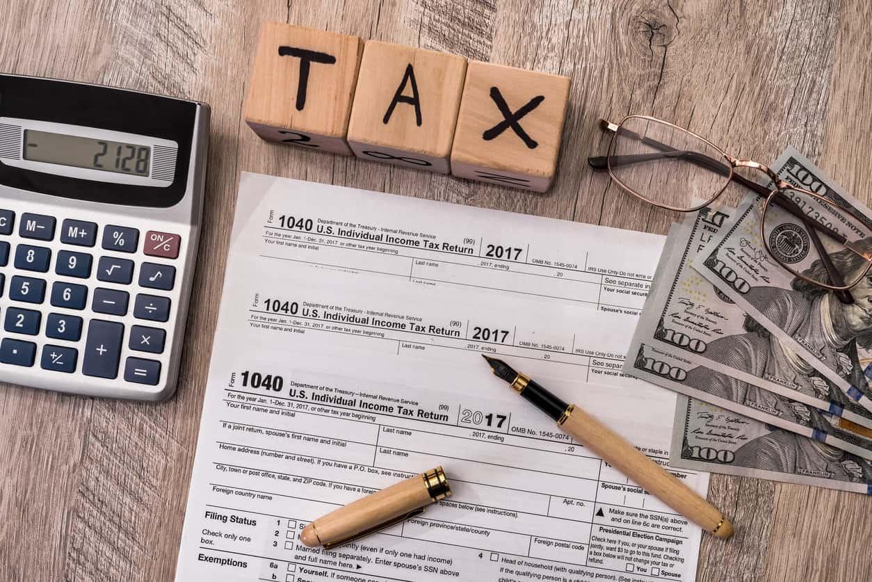 1040 IRS tax return document