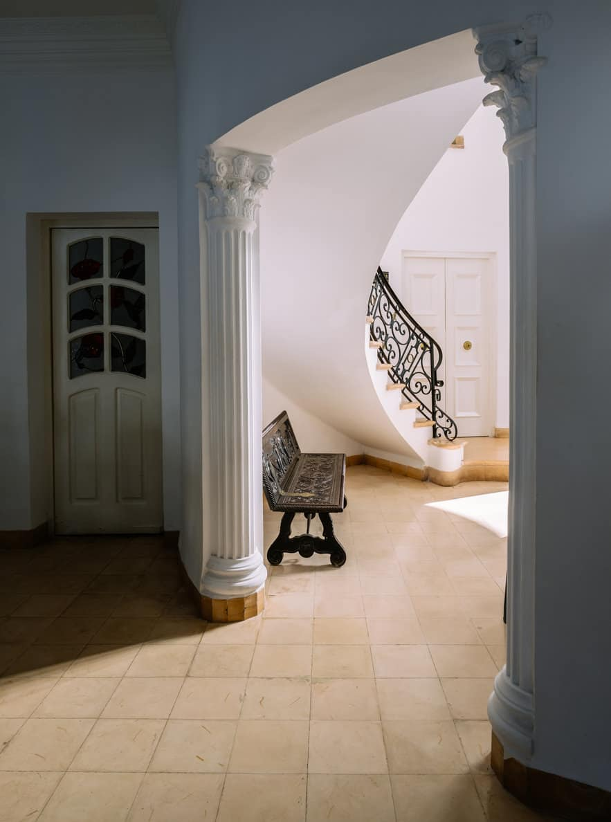 Foyer with column